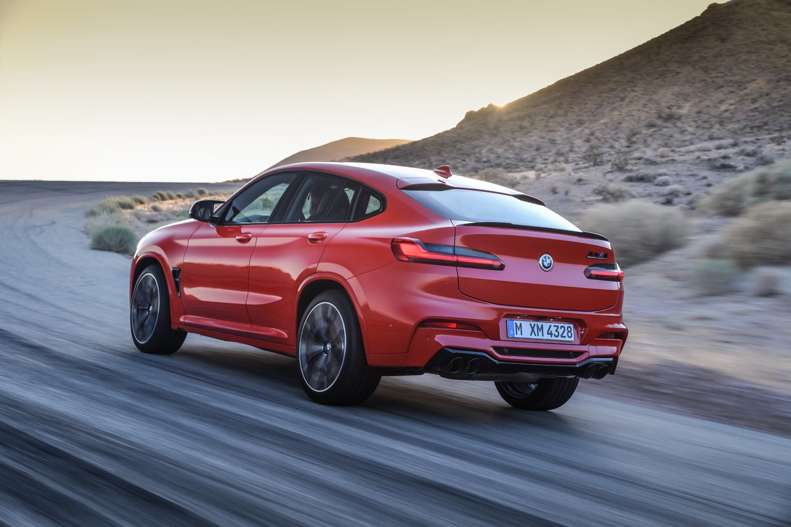 BMW X4 M Competition (13).jpg