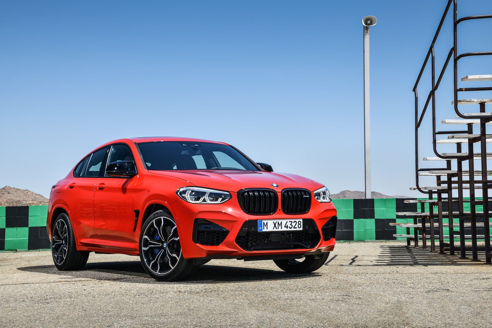 BMW X4 M Competition (16).jpg