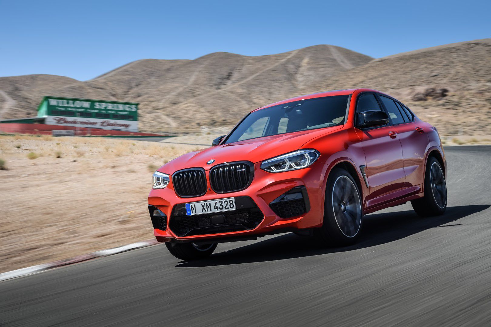 BMW X4 M Competition (9).jpg