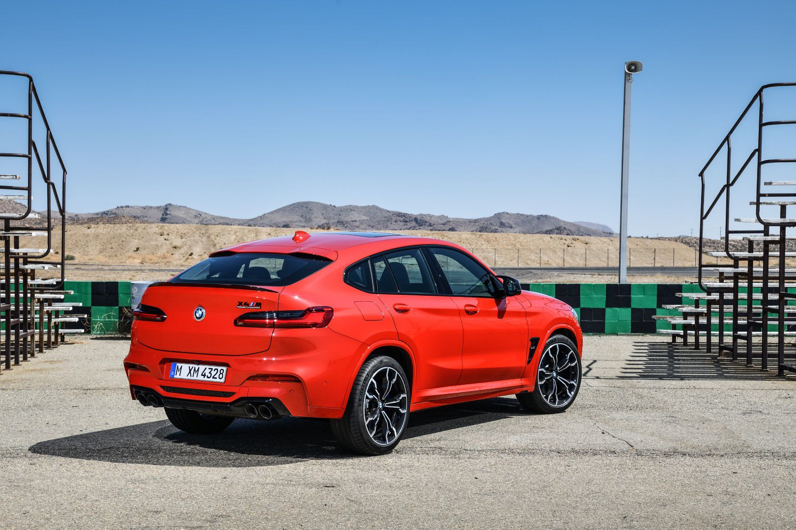 BMW X4 M Competition (17).jpg
