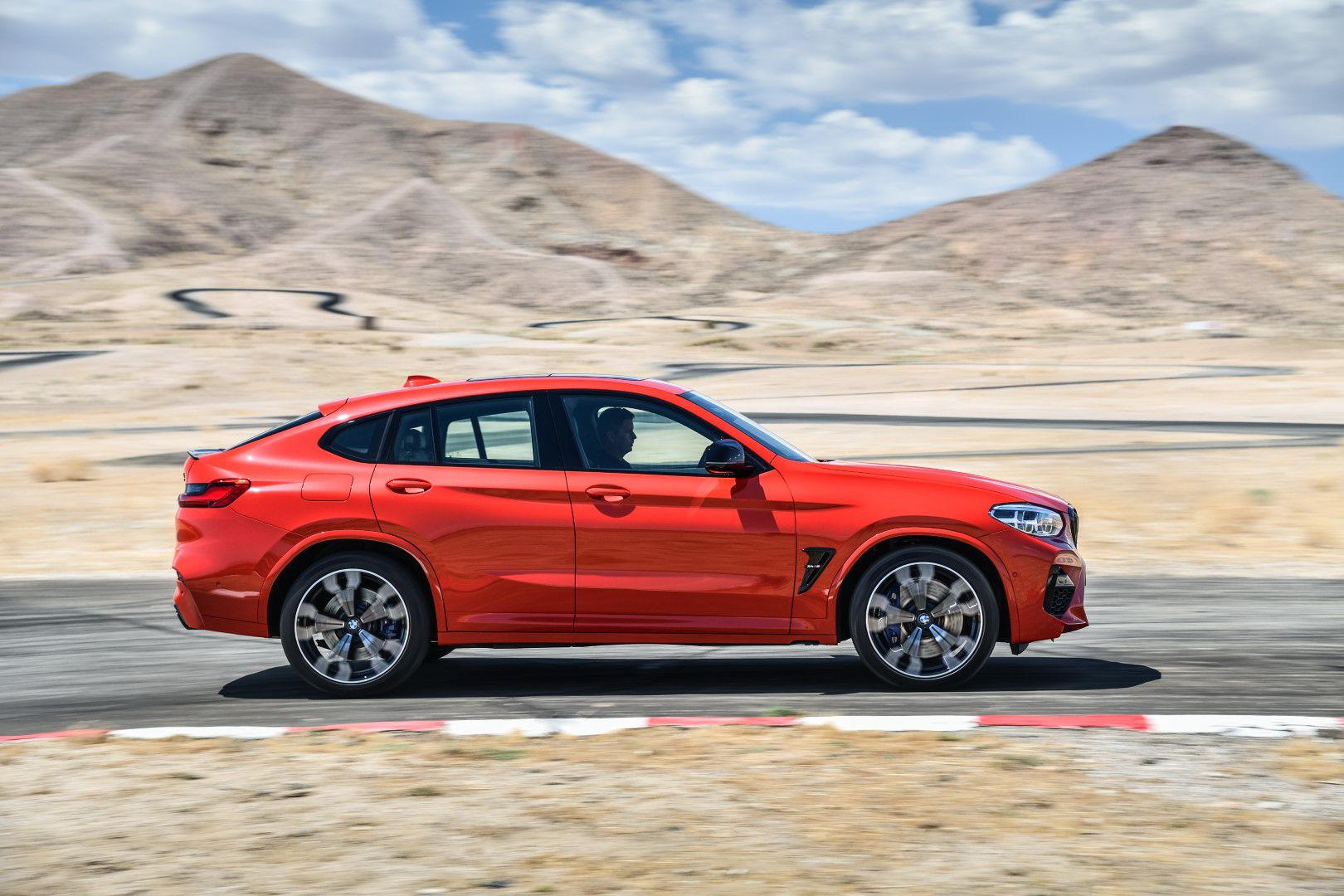 BMW X4 M Competition (25).jpg
