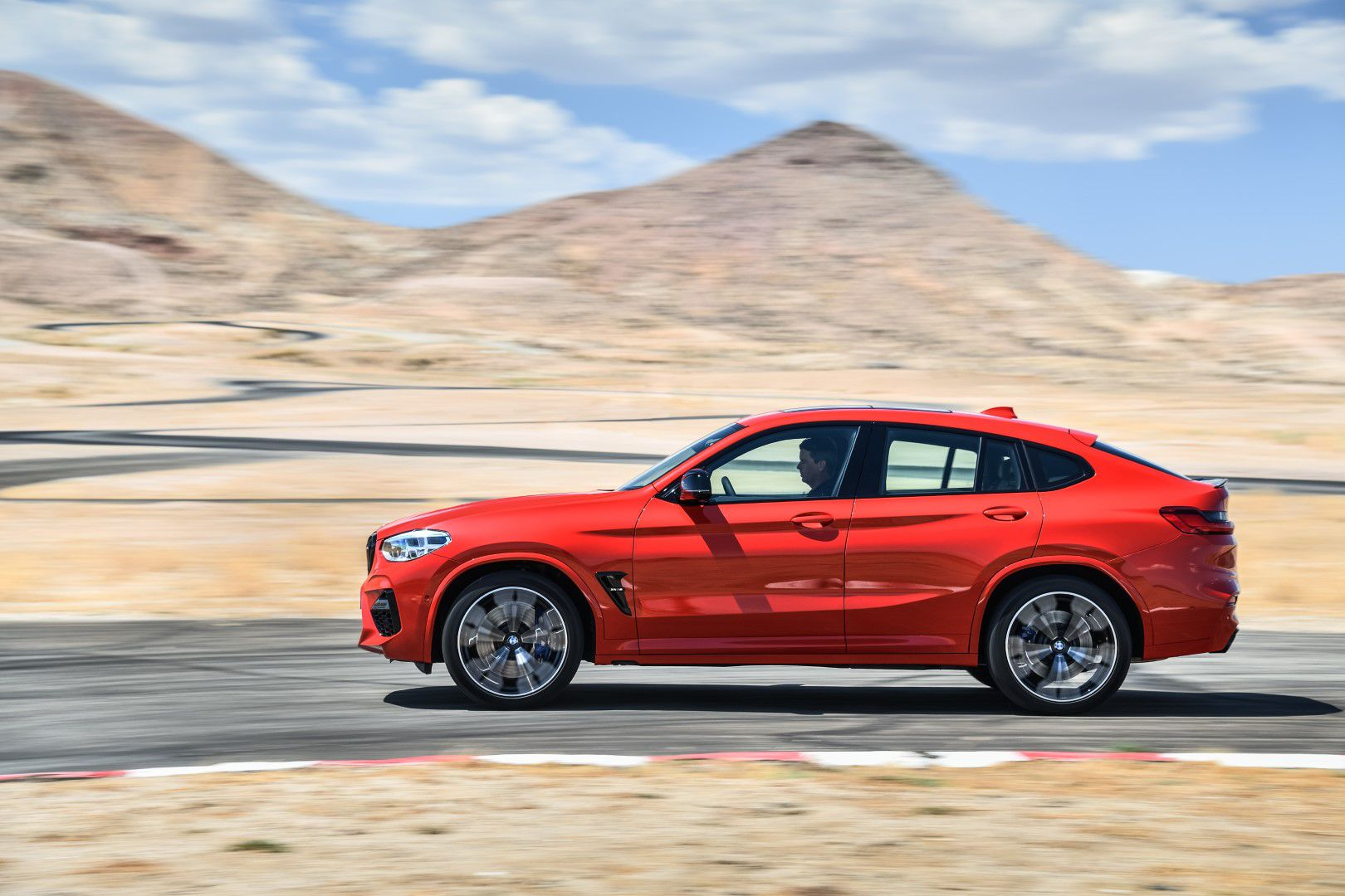 BMW X4 M Competition (26).jpg